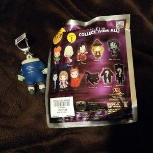 Disney Accessories - Hocus pocus headless Billy keychain